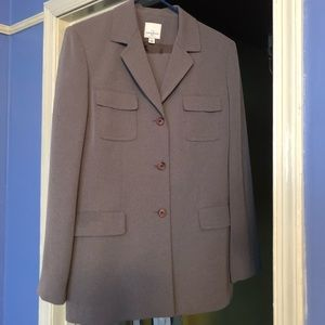 Anne Klein 2 gray suit. Size 12 worn once.